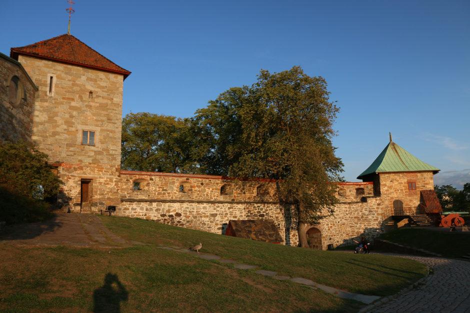Oslos Festung in den Farben der Abendsonne. <3