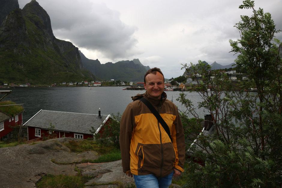 Ein Foto vom Vortrag. Meine dünne Regenjacke und meine einzige lange Hose. Eine Jeans.