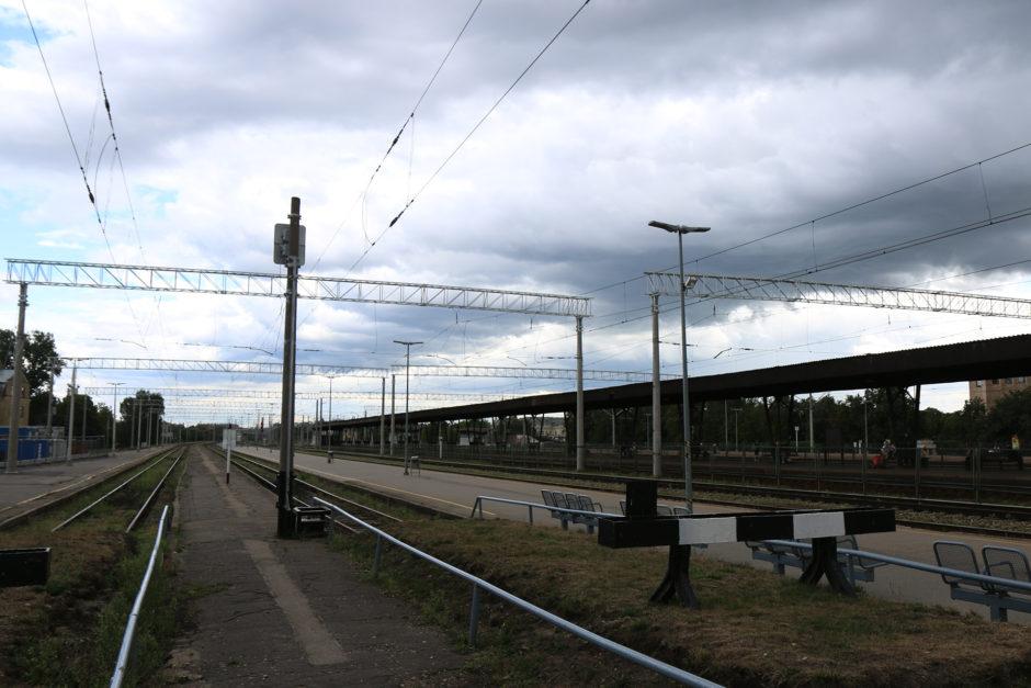 Einen eher trostlosen Eindruck macht der Rigaer Hauptbahnhof. Hier fahren fast nur Vorstadtzüge ab..