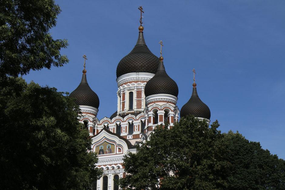 Schon von weitem sichtbar ist die orthodoxe Kathedrale.