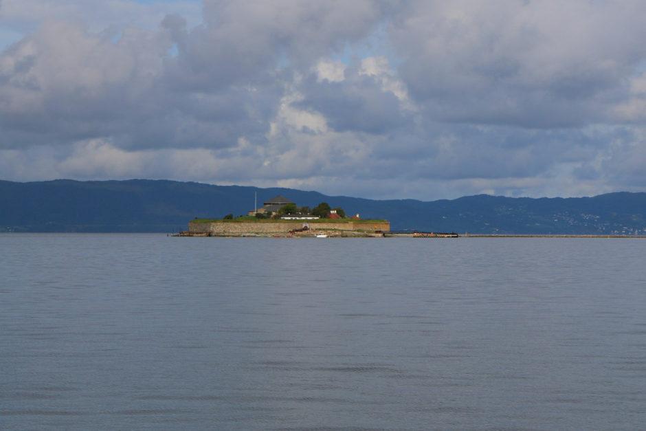 Nicht nur am Fluss war es schön. Auch am Fjord konnte man es aushalten. Hier der Blick auf Munkholmen.