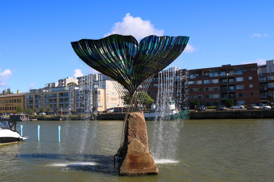 Diesen hübschen Brunnen findet man ebenfalls im Hafen von Turku.