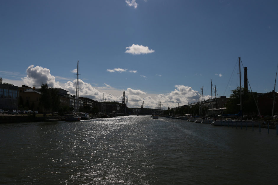 Turku liegt am Fluss Aurajoki und an der Ostseeküste.