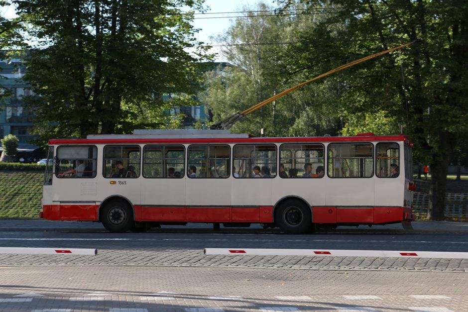 Einer der sehr alten Oberleitungsbusse.