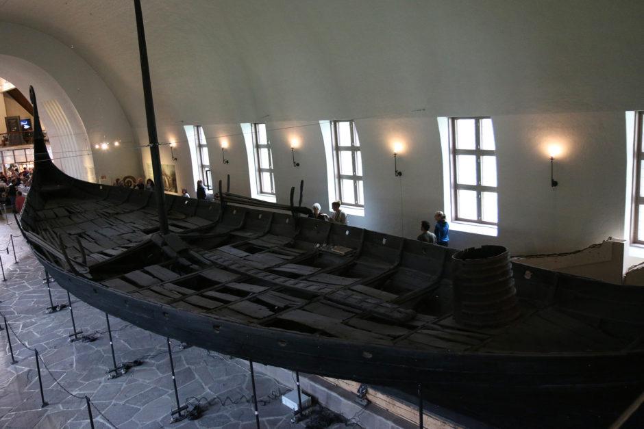 Selbes Schiff, andere Perspektive. Von einer kleinen Empore konnte man ins Bootsinnere schauen.