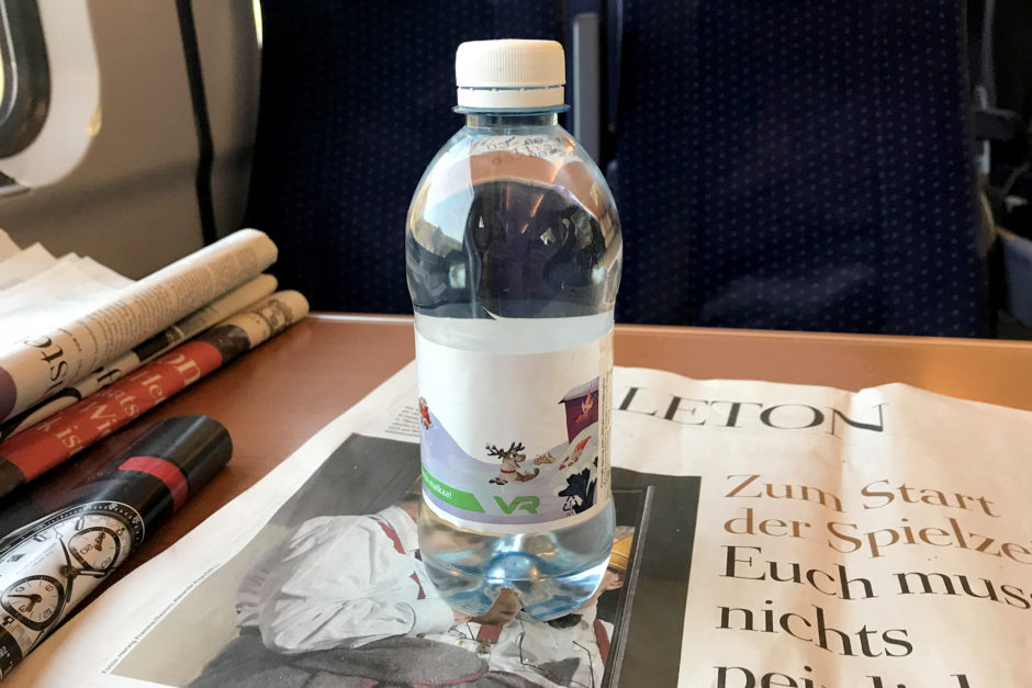 Die süße kleine Wasserflasche aus dem Finnischen Nachtzug war ab Turku mein ständiger Begleiter.