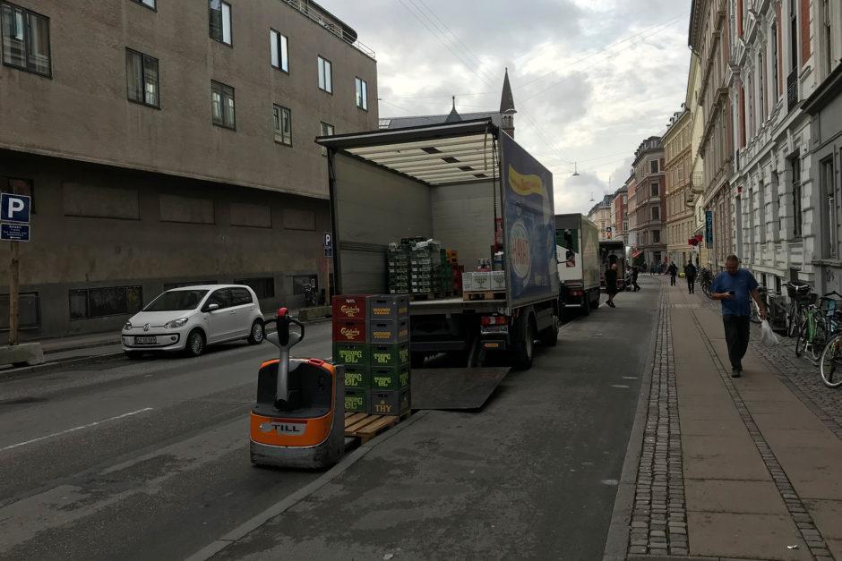 Lieferverkehr in Kopenhagen. Vorbildlich geparkt!