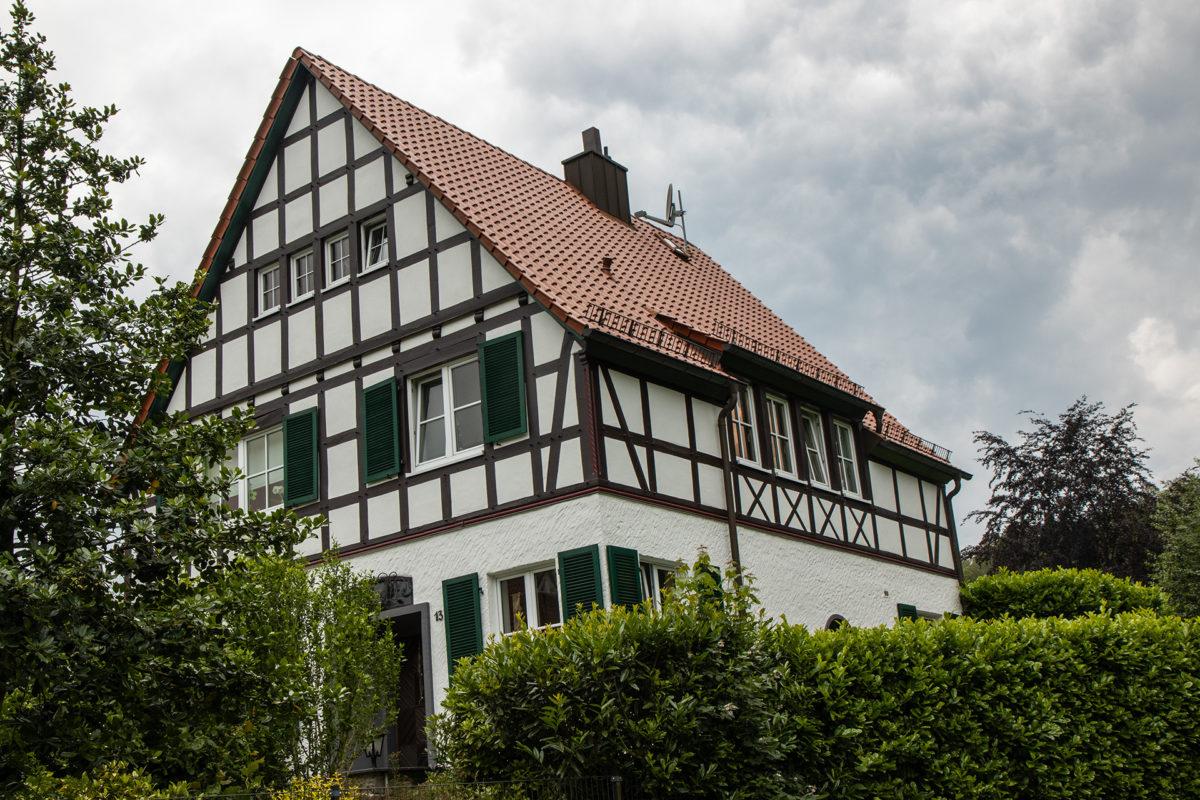 Eins der vielen nett restaurierten Häuschen in Rengsdorf.