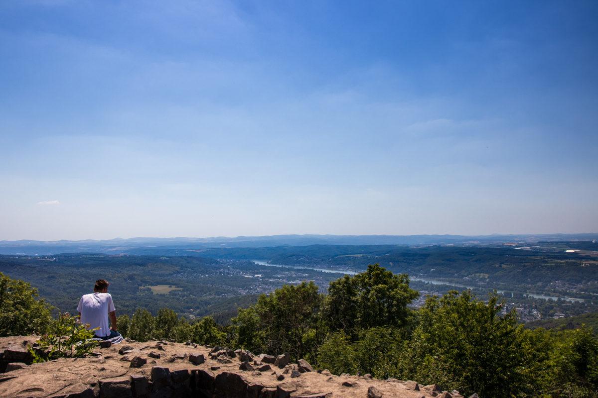 Die Aussicht vom Löwenberg auf das Rheintal