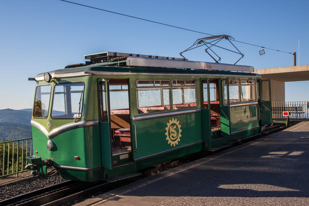Was für ein wundervolle Schmuckstück. Die Drachenfels-Bahn.