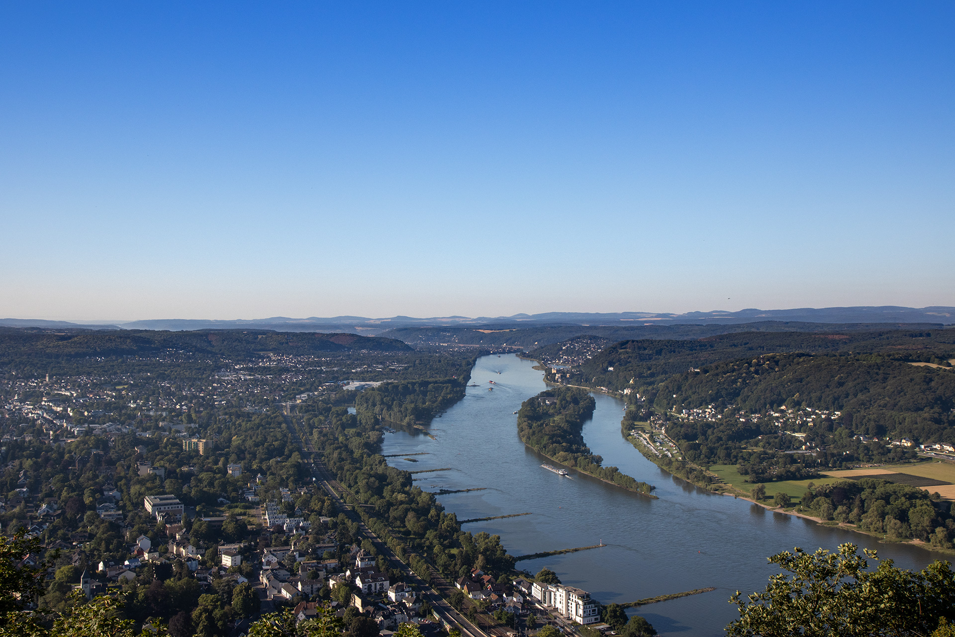 Kann mich nur wiederholen: ich liebe diese Ausblicke auf das Rheintal.
