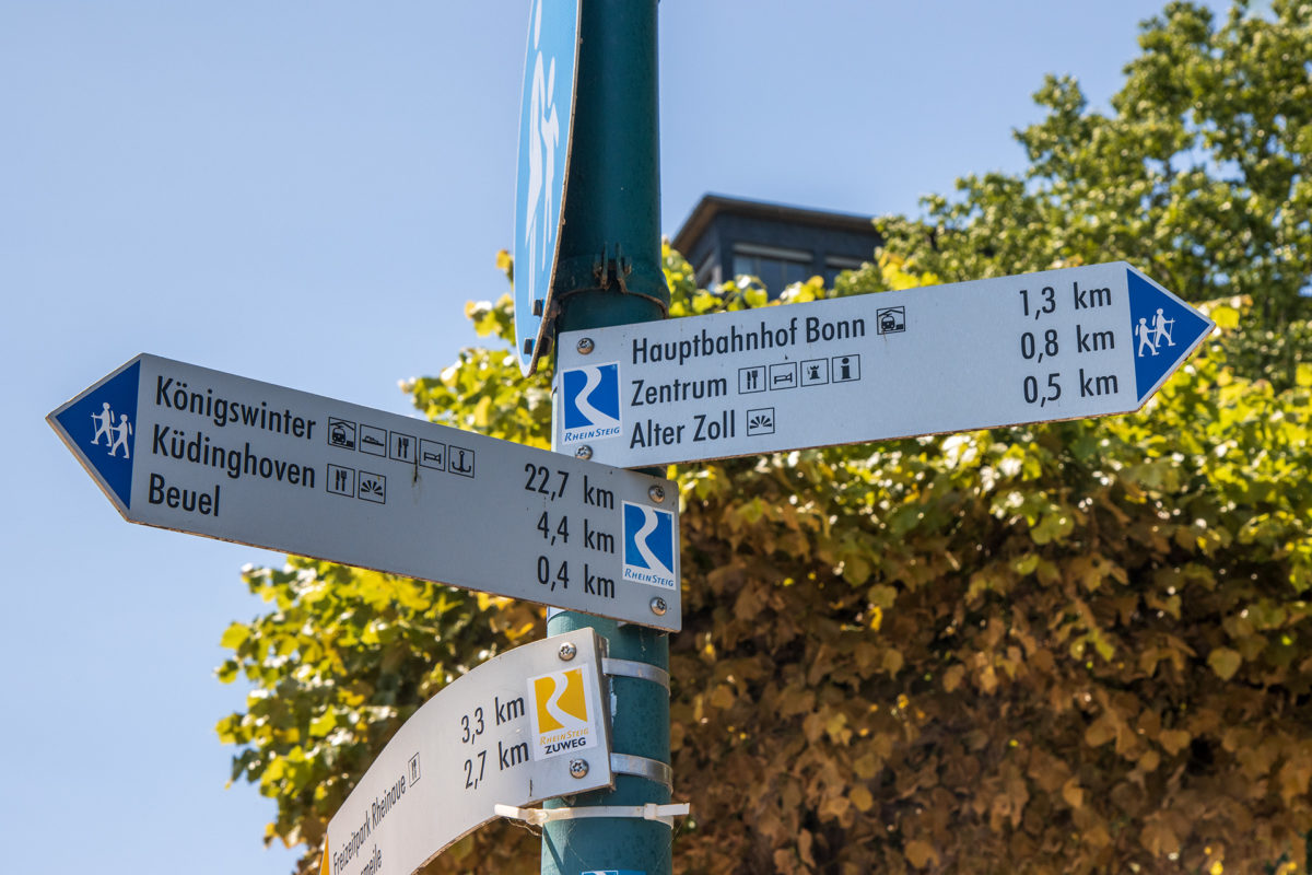 Das letzte Schild. Mach's gut Rheinsteig!