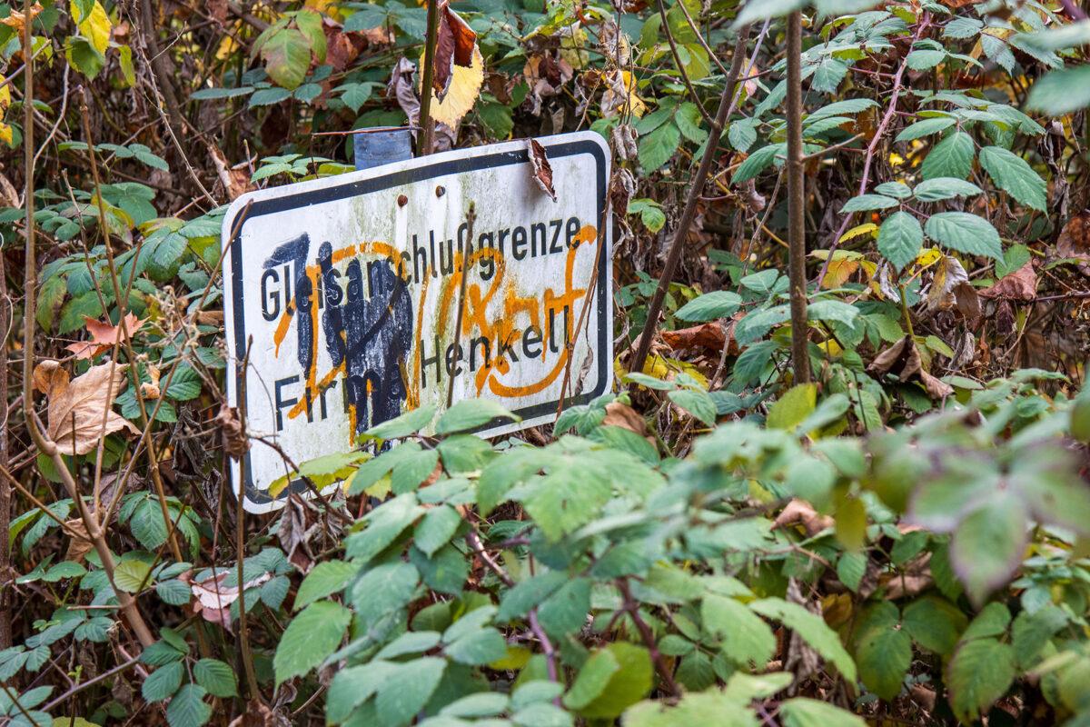 Ein Überbleibsel an den Gütergleisen am Bahnhof Landesdenkmal.