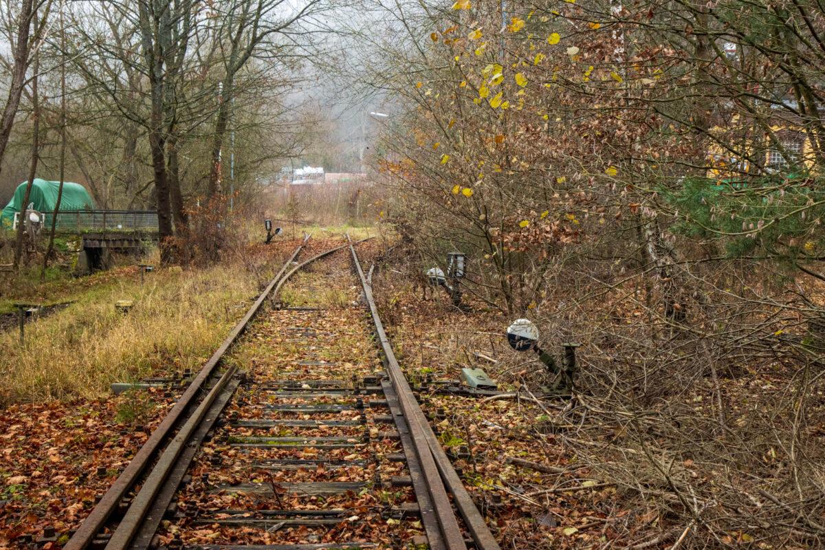 Die Bahnhofseinfahrt nach Bad Schwalbach bzw. Langenschwalbach wie der Ort früher hieß.