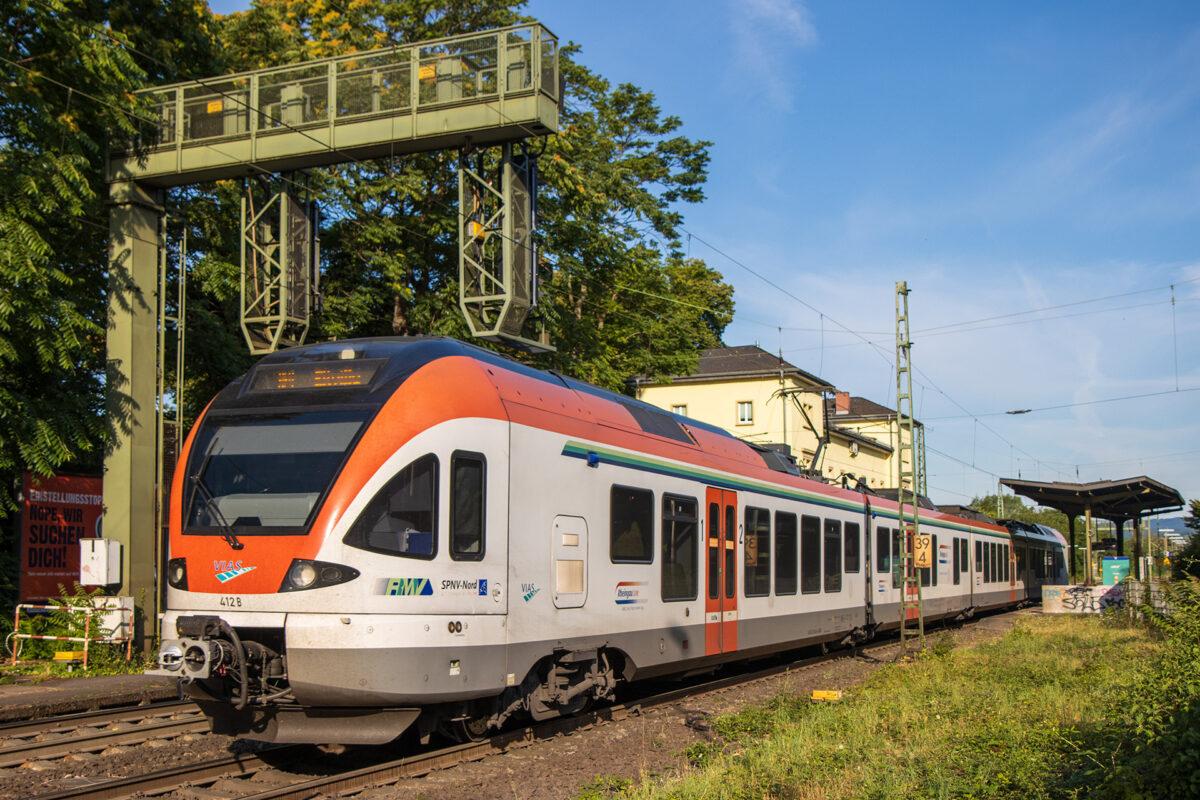 Die Rheingau-Strecke mit der VIAS-Bahn. Gewissermaßen meine Haus- und Hofbahn.