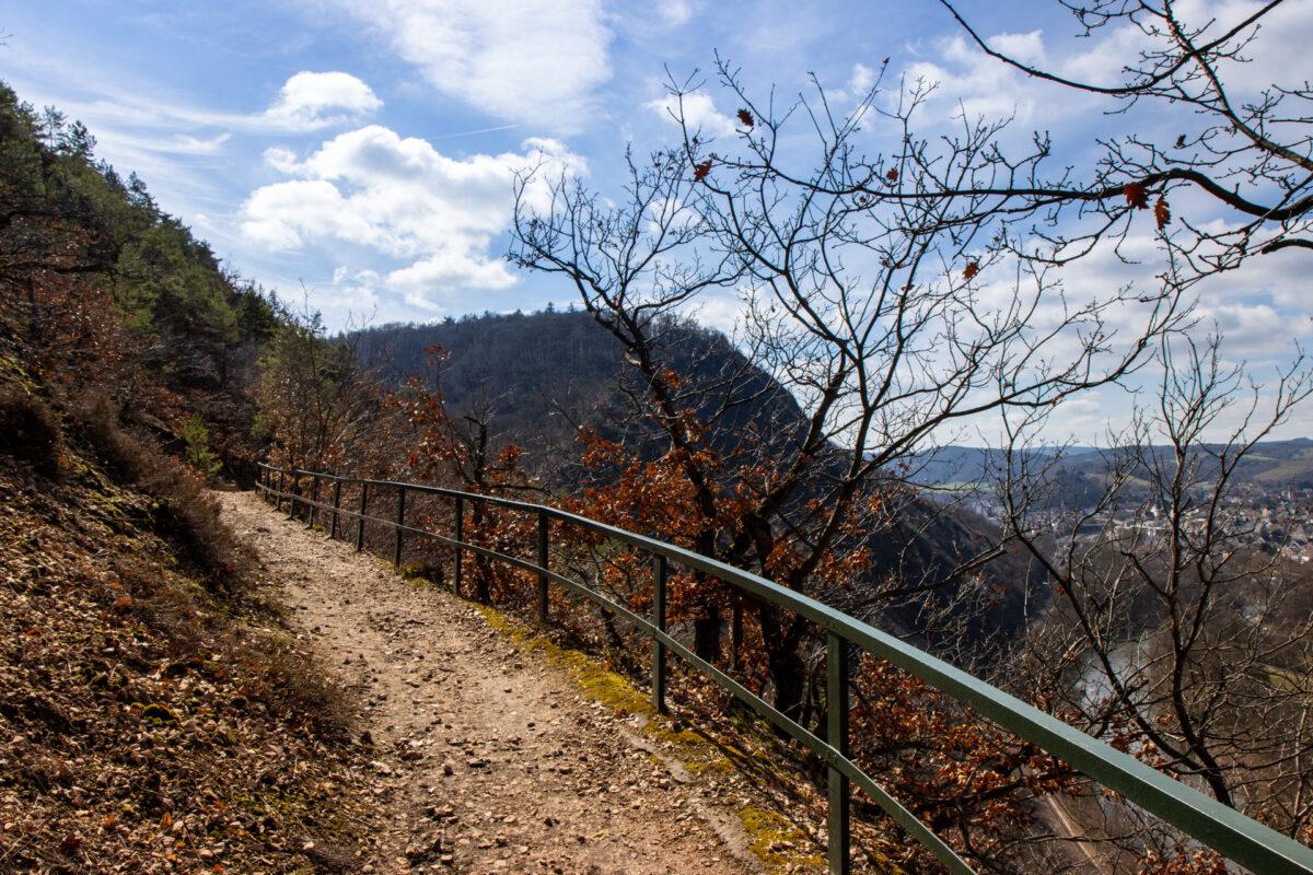 Langsam aber stetig schlängelt sich der Felsenpfad von Bad Kreuznach empor.